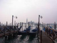 ヴェネチア 朝靄とゴンドラ1.jpg